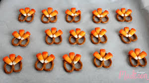 thanksgiving pretzel turkeys annmarie