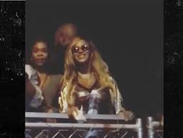 Beyonce Concert Meme - jay z leads concert fans in singing happy birthday to beyonce