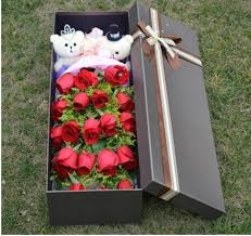 in a box delivery china 19 roses two small teddy and greens in the box