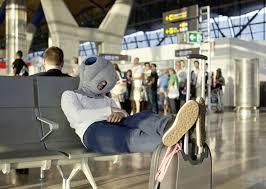 coussin de bureau coussin ostrich pillow pour dormir confortablement au bureau