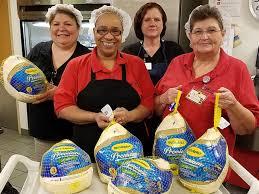 thanksgiving jon jon jon voight buys thanksgiving turkeys for in line at
