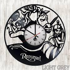recycled disney home décor ideas vinyl clocks
