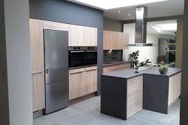 photo cuisine avec ilot central cuisine quipe ilot central idees de design cuisine equipe avec un