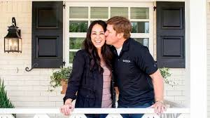 chip and joanna gaines to host free movie nights all summer long