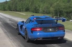 Dodge Viper Top Speed - watch a 1 500 hp dodge viper srt set a half mile speed record