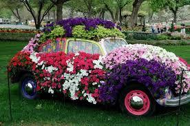 Topiary Wedding - hearts u0026 flowers decorating for your wedding day wedding topiary