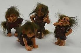 cool collectable set of 4 troll figurines ornaments gift present
