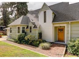 1000 sw maplecrest dr portland or 97219 living room realty