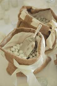burlap wedding 46 cool ways to use burlap for wedding weddingomania