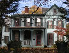 queen anne style home queen anne style architecture facts and history guide to