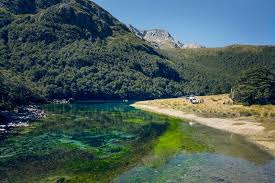 Clearest Water In The Us The Clearest Lake In The World Is In New Zealand Twistedsifter