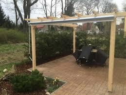 windschutz fã r balkone durchsichtige wetterschutzrollos für terrassen und loggien