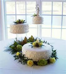 3 tier wedding cake stand 3 tier vine leaf wedding cake bettycake s photo and other stuff
