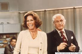 quot the mary tyler moore show quot apartment building mary tyler moore on how that famous hat toss came to be
