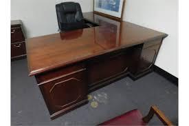 kimball president executive desk choice of lots 60 kimball presidential series mahogany 36 x 72