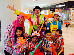 clowns for birthday children s party entertainment in malaysia allan friends studios