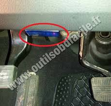 obd2 connector location in nissan murano 2009 2013 outils