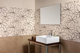 badezimmer braun creme moderne fliesen badezimmer creme braun florale motive badezimmer