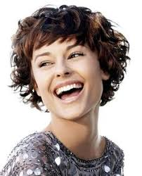 hairstyles for short curly layered hair at the awkward stage 20 feminine short haircuts for wavy hair easy everyday hairstyles