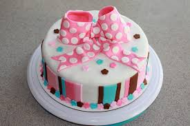 10 amazing baby shower cakes for girls