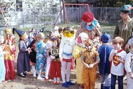 halloween astronaut costume halloween costumes from the 1970s astronaut bozo etc