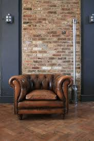 laver un canapé en cuir entretenir laver et nettoyer un canapé en cuir