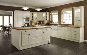 kitchen ideas with cream cabinets painting kitchen cabinets cream color kitchen cabinets pictures and