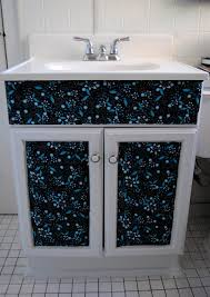 bathroom makeover on the upcycle