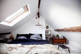 chambre dans combles aménager une chambre sous les combles 35 idées pour vous inspirer