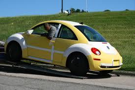 volkswagen beetle modified interior file 2008 08 11 unloading a vw new beetle 3 jpg wikimedia commons