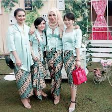 contoh gambar kebaya 57 kumpulan gambar inspirasi kebaya modern indonesia
