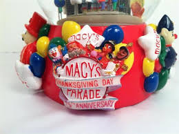 macy s 2001 thanksgiving day parade musical snowglobe