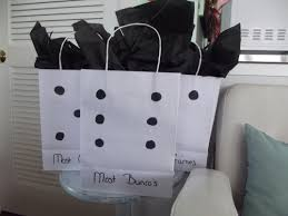 where to buy black tissue paper easy diy cheap bunco gift bags bought plain white bags at dollar