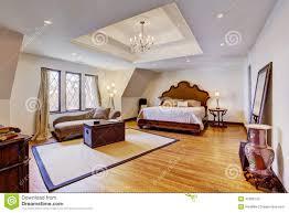 plafond chambre a coucher chambre à coucher de luxe lumineuse avec le plafond de conception