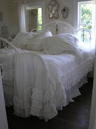 Shabby Chic White Comforter Best 25 Country Chic Bedrooms Ideas On Pinterest Country Chic