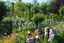 pictures of beautiful gardens with flowers giverny monet u0027s flower garden