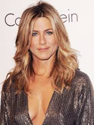 what is the formula to get jennifer anistons hair color jennifer aniston s hairstylist chris mcmillan on the do s of her