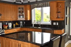 cuisine comptoir comptoirs en granite de différentes couleurs les artisans du granit