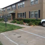 creekwood apartments 22 photos apartments 8418 s 77th e ave