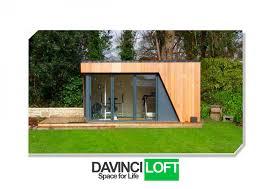 bureau de jardin design bureau de jardin ou salle de sport en ossature bois avec canapé