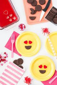 awesome diy emoji birthday party ideas emoji birthdays and