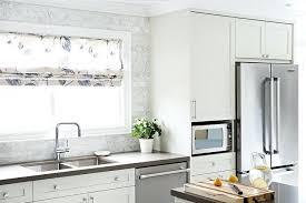 Carrara Marble Kitchen Backsplash Marble Backsplash White Kitchen Cabinets With Oblong