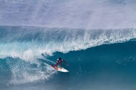 seth moniz breaks out on day 3 of volcom pipe pro freesurf magazine