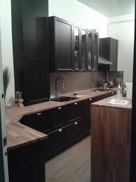 cuisine brun et blanc superb cuisine equipee noir et blanc 4 cuisine laxarby noir ikea