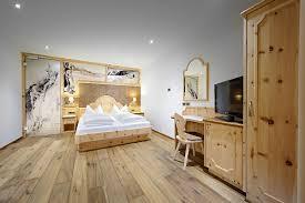Schlafzimmer Holz Zirbe Schlafzimmer Rustikal Massivholz übersicht Traum Schlafzimmer