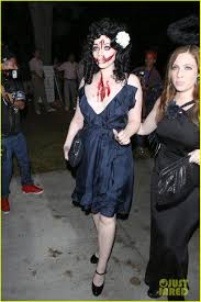 michelle trachtenberg looks scary u0026 bloody as black dahlia at