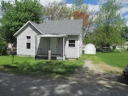 2 bedroom bungalow east edge of marion off 309 004