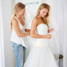 13 questions to ask before buying a wedding dress ew easy weddings