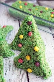 christmas tree rice krispy treat recipe diycandy com