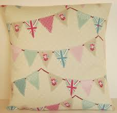 Shabby Chic Cushions by 25 Best Kitchen Cushions Images On Pinterest Cushion Covers